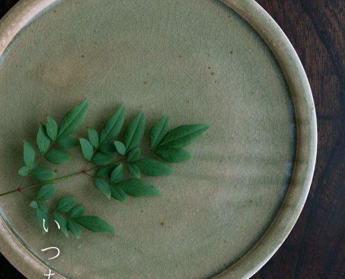灰釉折縁皿・8寸・土楽