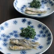 九谷焼:染付桜文皿・小・正木春蔵